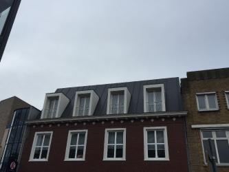 Nieuwe dakopbouw bij appartementencomplex te Roosendaal