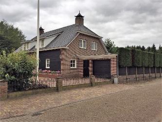 Uitbouw woonhuis Hoeven