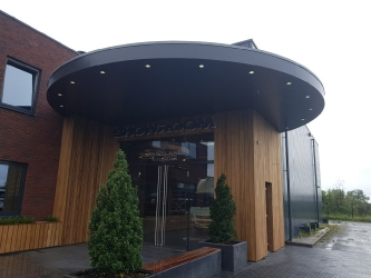 Binnen en buitenverbouwing Fastlane Exclusive Cars te Rucphen