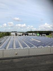 Plaatsen nieuw dak met zonnepanelen te Roosendaal